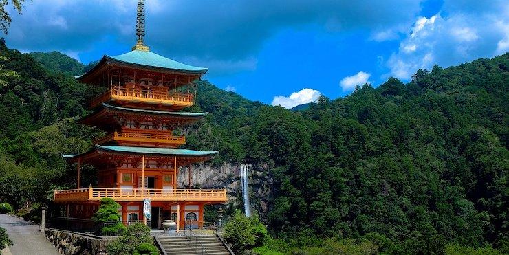 神社で旅行